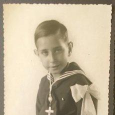 Fotografía antigua: ANTIGUA FOTO NIÑO PRIMERA COMUNION 1939 MARINERO CRUZ. Lote 58337315