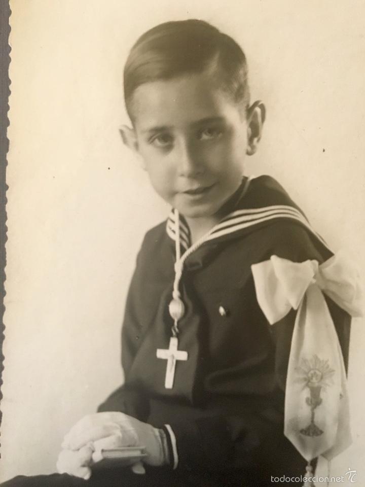 Fotografía antigua: antigua foto niño primera comunion 1939 marinero cruz - Foto 2 - 58337315