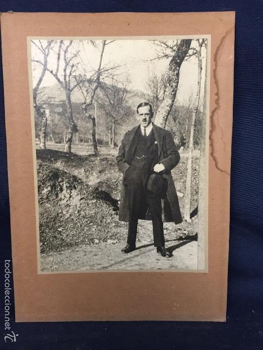 Usado, foto caballero en campo abrigo sombrero años 20 30 23,6x16,8cms segunda mano