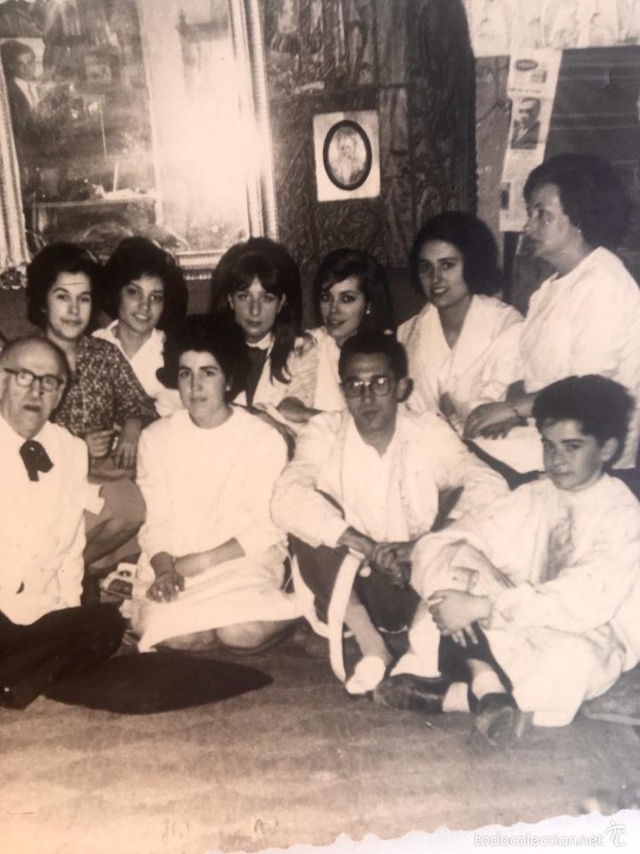 Fotografía antigua: Grupo estudiantes estudio pintura pintores manuel concha maria gutierrez navas y otros madrid 1960 - Foto 4 - 58565207