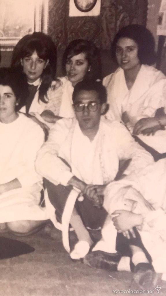 Fotografía antigua: Grupo estudiantes estudio pintura pintores manuel concha maria gutierrez navas y otros madrid 1960 - Foto 9 - 58565207