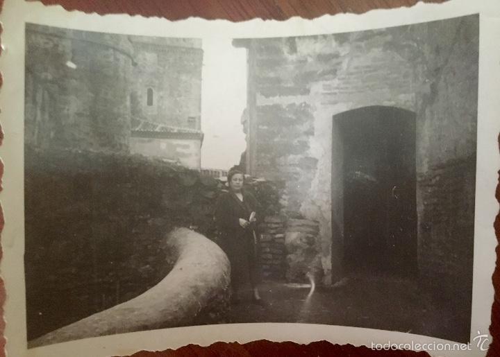 MONASTERIO PARADOR DE GUADALUPE 1956 CACERES MEDIEVAL EN PIEDRA FOTO EN BLANCO Y NEGRO 10X7 (Fotografía - Artística)