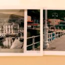 Fotografía antigua: FOTOGRAFÍA ORIGINAL FIRMADA EXPOSICIÓN RIBADESELLA ENTRETIEMPOS. ASTURIAS. EL COMERCIO ATRACADO EN . Lote 58803146