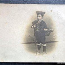 Fotografía antigua: ANTIGUA FOTO - POSTAL DE NIÑO CON TRAJE TIPICO CATALÀ. Lote 60152463