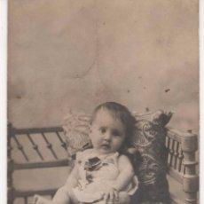Fotografía antigua: ANTIGUA FOTOGRAFÍA DE UN NIÑO. ¿ PUDRÍA SER POST MORTEM ?. Lote 60583203