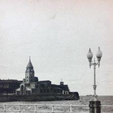 Fotografía antigua: GIJON IGLESIA SE SAN LORENZO FOTO 1920 PASEO MARITIMO12X17,5. Lote 62185484