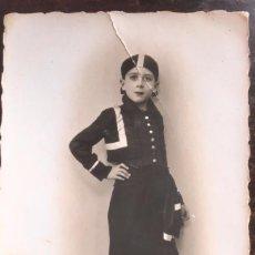 Fotografía antigua: FOTO POSTAL BARIEGO MADRID NIÑO DISFRAZ AÑO 1935. Lote 63332888