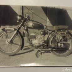 Fotografía antigua: FOTOGRAFIA MOTOCICLETA ALEU AÑO 1959. Lote 64418063