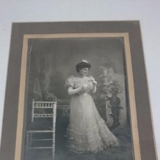 Fotografía antigua: ORIGINAL,FOTOGRAFÌA WINOCIO TESTERA-LEON, MUJER DE LA ÈPOCA PRINCIPIO 1900- MEDIDAS 30X22 CM.. Lote 64658899