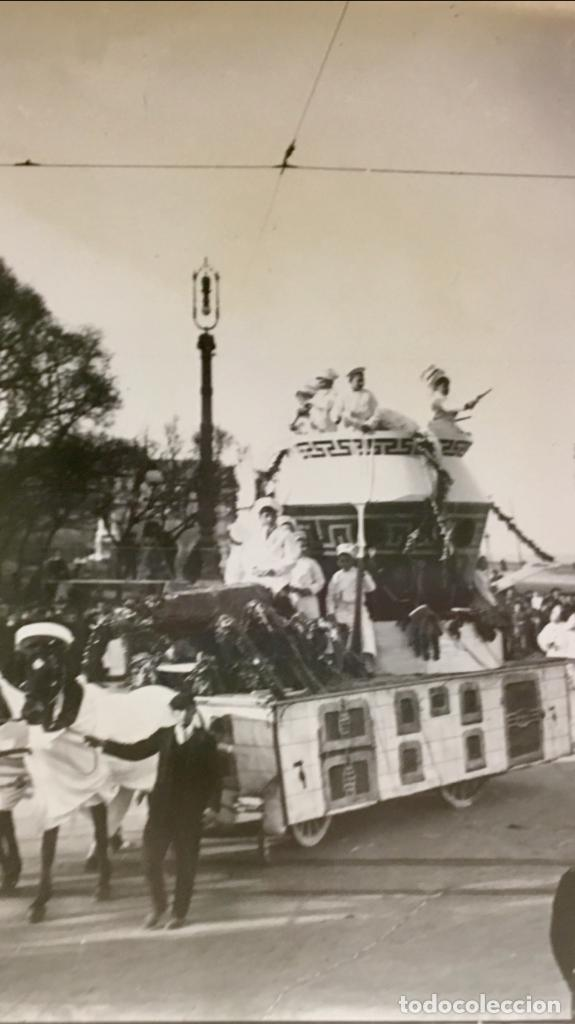 Fotografía antigua: San Sebastián carnavales 1900 fot Galarza carroza 18x24cms - Foto 6 - 64935663