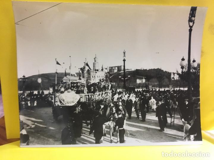 Fotografía antigua: San Sebastián carnavales 1900 fot Galarza carroza 18x24cms - Foto 8 - 64935663