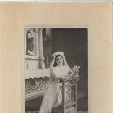 Fotografia antica: EXTRAORDINARIA FOTOGRAFIA ANTIGUA DE NIÑA DE 1ª COMUNION - FOTO-CERVERA - SAQNTIAGO, 53 - VALLADOLID. Lote 68372461