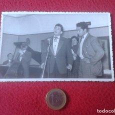 Alte Fotografie - ANTIGUA FOTO PHOTO FOTOGRAFIA GRUPO MUSICAL CONJUNTO A IDENTIFICAR CARAVANA ? . PACHECO VIGO GALICIA - 69275717