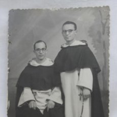 Fotografía antigua: DOS SACERDOTES RELIGIOSOS. Lote 70286213