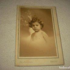 Fotografía antigua: PRECIOSA FOTO DE BEBE . FOTO IDEAL ESTUDIO .BARCELONA. Lote 71864623