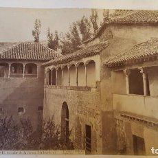 Fotografía antigua: FOTOGRAFIA GRANADA J LAURENT EL TOCADOR DE LA REINA ALHAMBRA Y EN REVERSO PATIO LEONES. Lote 73942311