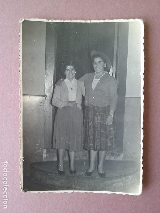 ANTIGUA FOTOGRAFIA MUJERES JOVENES. ALLER ?. ASTURIAS. AÑOS 50. (Fotografía - Artística)