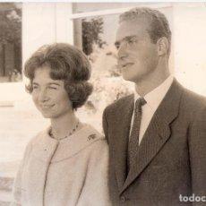 Fotografía antigua: ENRIQUE MENESES ( MADRID,1929-2013).*PRÍNCIPE DON JUAN CARLOS Y DOÑA SOFÍA* DIVERSOS SELLOS.30X20 CM. Lote 76076371