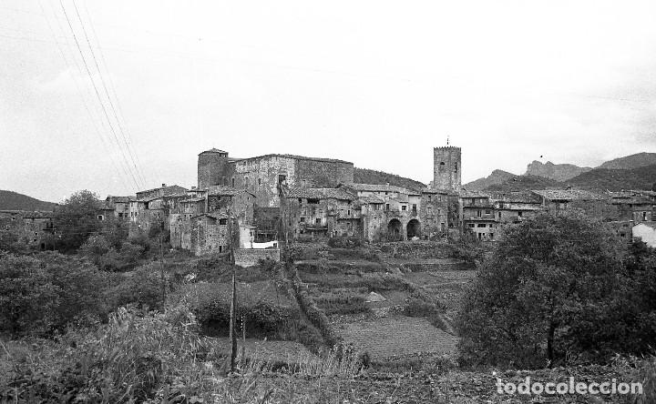 Fotografía antigua: Fotos de Rupit (1),Santa Pau (2) y Sant Esteve d'en Bas (1),1972, Osona, Garrotxa, negativos 24x36mm - Foto 2 - 77268821