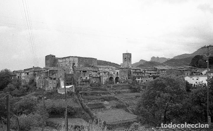 Fotografía antigua: Fotos de Rupit (1),Santa Pau (2) y Sant Esteve d'en Bas (1),1972, Osona, Garrotxa, negativos 24x36mm - Foto 3 - 77268821