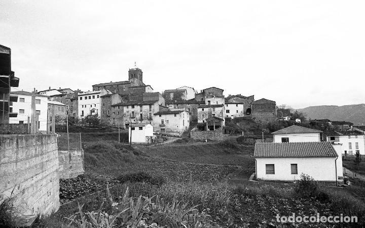 Fotografía antigua: Fotos de Rupit (1),Santa Pau (2) y Sant Esteve d'en Bas (1),1972, Osona, Garrotxa, negativos 24x36mm - Foto 4 - 77268821