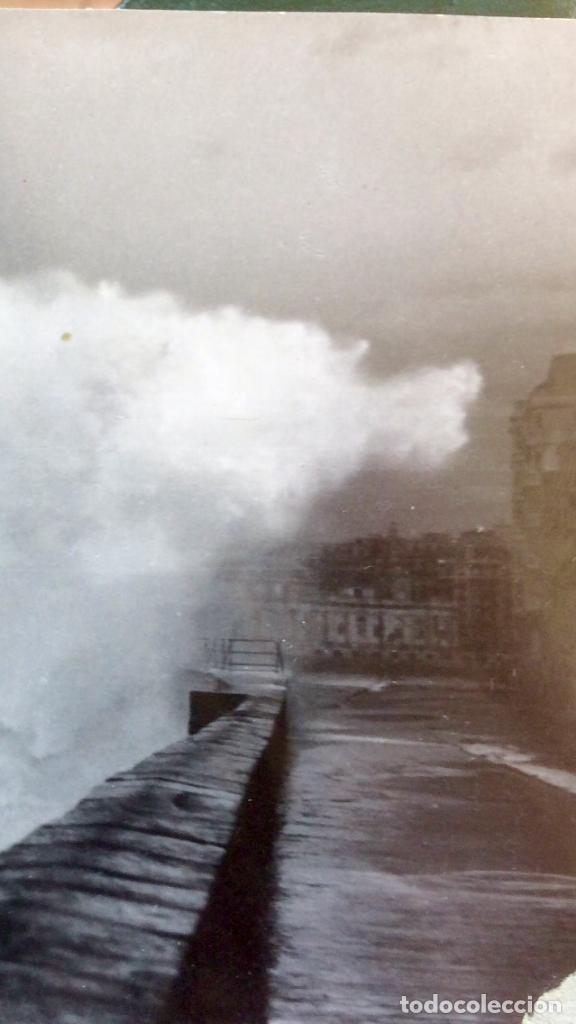 Fotografía antigua: San Sebastián Donosti 1940 galerna ola rompiendo puerto mirador 17x11cm - Foto 4 - 82085580
