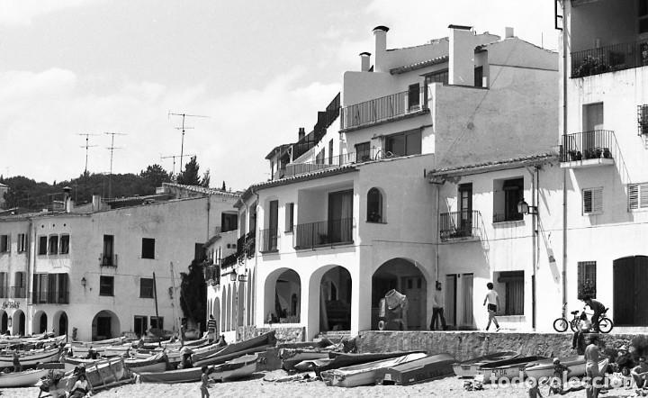 18 FOTOS (17 NEGATIVOS 24X36 MM Y 1 DE 55X55MM) DE CALELLA DE PALAFRUGELL, 1979. EMPORDÀ, GIRONA (Fotografía - Artística)