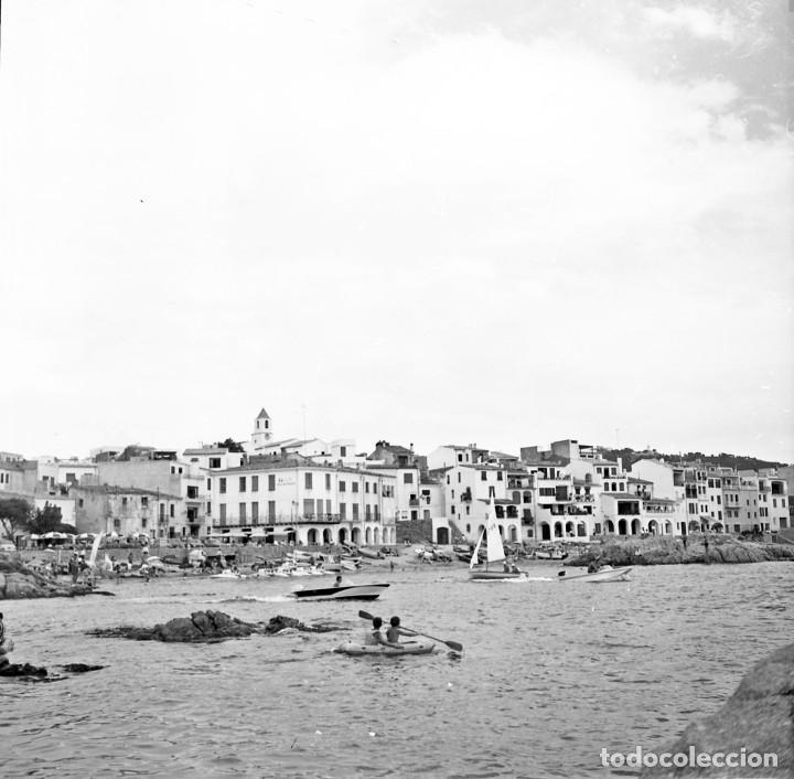 Fotografía antigua: 18 fotos (17 negativos 24x36 mm y 1 de 55x55mm) de Calella de Palafrugell, 1979. Empordà, Girona - Foto 11 - 85435748