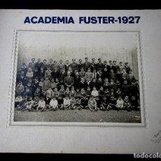 Fotografía antigua: FOTOGRAFÍA PROFESORES Y ALUMNOS DE LA ACADEMIA FUSTER-1927. FOTO. L. BARCELÓ AMPOSTA 17X23 Y 28X34. Lote 85625912