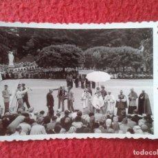 Fotografía antigua: FOTO FOTOGRAFÍA PHOTO DE MISA,HOMILÍA O SIMILAR A IDENTIFICAR, PERSONAS, SACERDOTES, RELIGIOSOS...... Lote 86695904