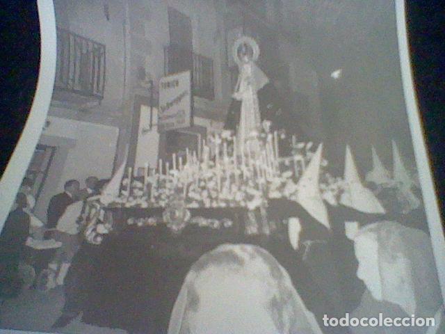Fotografía antigua: FOTOGRAFIA PARTICULAR PROCESION SILENCIO AÑOS 60 ESCORIAL - Foto 2 - 87625156