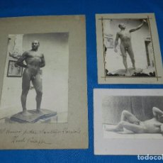 Fotografía antigua: 3 FOTOGRAFIAS DE UN MODELO DESNUDO , ROMA 1918 / 1920 , DEDICADO AL PINTOR SANTIAGO FARRIOLS. Lote 91931750
