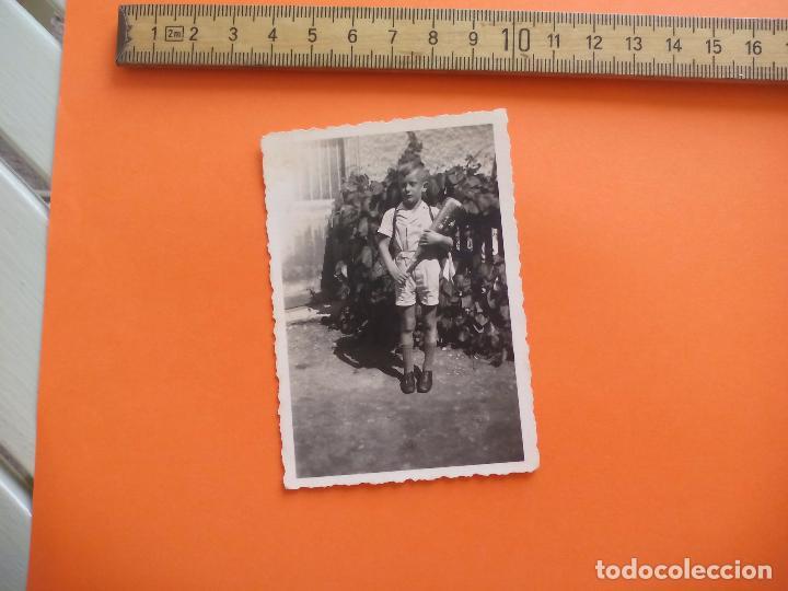 ANTIGUA FOTOGRAFÍA ALEMANIA AÑOS 30-40. NIÑO CON JUGUETE. FOTO.GERMANY PHOTO ANTIQUE (Fotografía - Artística)