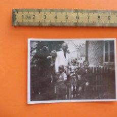 Fotografía antigua: ANTIGUA FOTOGRAFÍA ALEMANIA AÑOS 30-40. FAMILIA CON 4 NIÑOS. FOTO.GERMANY PHOTO ANTIQUE. Lote 92990805