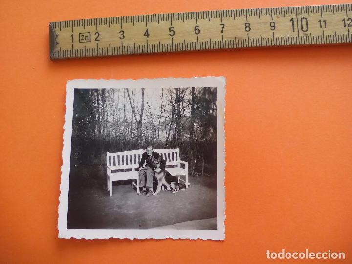 ANTIGUA FOTOGRAFÍA ALEMANIA AÑOS 30-40 HOMBRE CON PERRO FOTO.GERMANY PHOTO ANTIQUE (Fotografía - Artística)