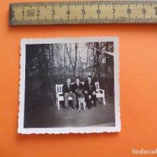 Fotografía antigua: ANTIGUA FOTOGRAFÍA ALEMANIA AÑOS 30-40. 3 HOMBRES CON PERRO FOTO.GERMANY PHOTO ANTIQUE. Lote 92991700