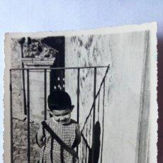 Fotografía antigua: FOTOGRAFIA GIANCARLO CON 18 MESES, AÑO 1958 MEDIDAS 10 X 7 CM. Lote 93389335