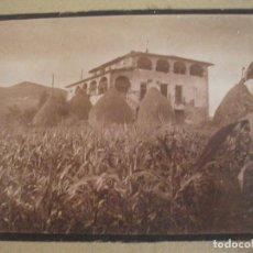 Fotografía antigua: FOTOGRAFIA ANTIGUA DE UN CASERIO CATALAN CASA DE PAGES LLAMADA ELS GASÉS EN OLOT O POR LA GARROTXA. Lote 94022145