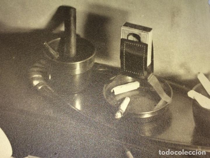 Fotografía antigua: COMPOSICIÓN CON JARRÓN ART NOUVEAU. FOTOGRAFÍA. ESPAÑA. ANÓNIMO. CIRCA 1900 - Foto 2 - 94804991