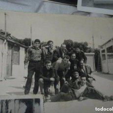 Fotografía antigua: FOTO ANTIGUA CALLOSA SEGURA ALICANTE CHICOS EN EL PUEBLO. Lote 97410679