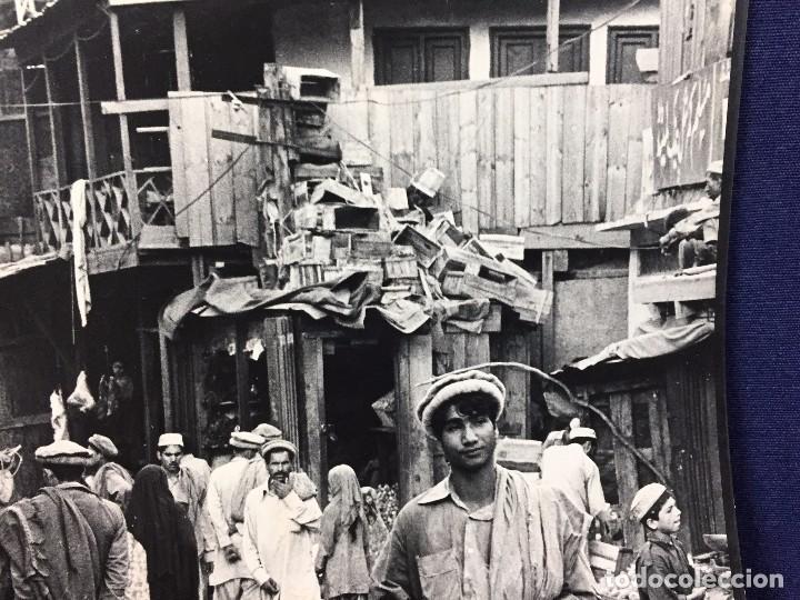 Fotografía antigua: fotografia blanco negro calle pakistan franja peshawar norte india años 50 70 40 x 27,5 cm - Foto 6 - 103389663