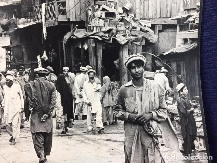 Fotografía antigua: fotografia blanco negro calle pakistan franja peshawar norte india años 50 70 40 x 27,5 cm - Foto 7 - 103389663
