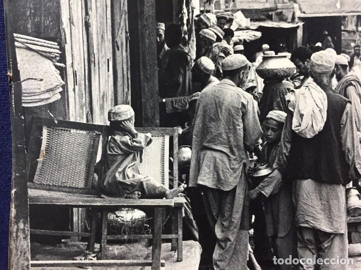 Fotografía antigua: fotografia blanco negro calle pakistan franja peshawar norte india años 50 70 40 x 27,5 cm - Foto 13 - 103389663
