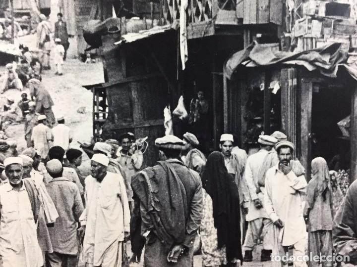 Fotografía antigua: fotografia blanco negro calle pakistan franja peshawar norte india años 50 70 40 x 27,5 cm - Foto 17 - 103389663