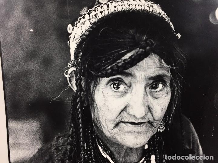 Fotografía antigua: fotografia blanco negro mujer anciana sabiduria etnia grupo indios america años 60 70 40 x 30 cm - Foto 7 - 103390923