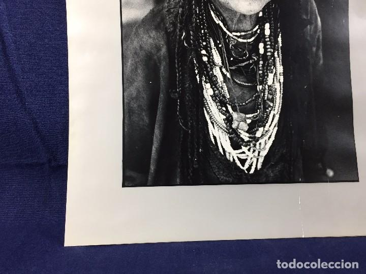Fotografía antigua: fotografia blanco negro mujer anciana sabiduria etnia grupo indios america años 60 70 40 x 30 cm - Foto 14 - 103390923