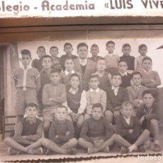 Fotografía antigua: FOTO TAMAÑO POSTAL COLEGIO LUIS VIVES VALENCIA ACADEMIA PRINCIPIOS SIGLO AÑOS 50. Lote 104761695