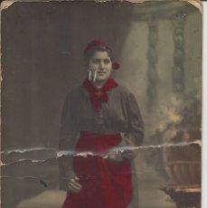Fotografía antigua: FOTO SEÑORITA. AÑO 1917. A. BARÓ DE BARCELONA. COLOREADA. Lote 104772883
