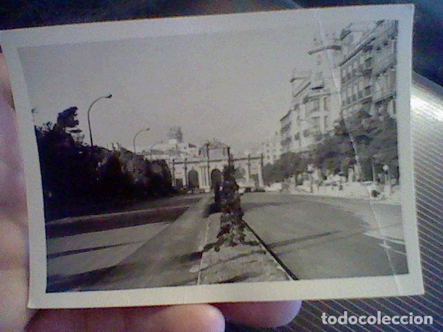 FOTOGRAFIA PARTICULAR MADRID AÑOS 60 APROX PUERTA ALCALA (Fotografía - Artística)