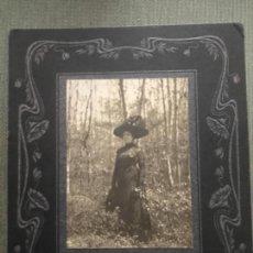 Fotografía antigua: ANTIGUA FOTOGRAFÍA SEÑORA EN EL BOSQUE - FINALES SIGLO XIX. Lote 190793051